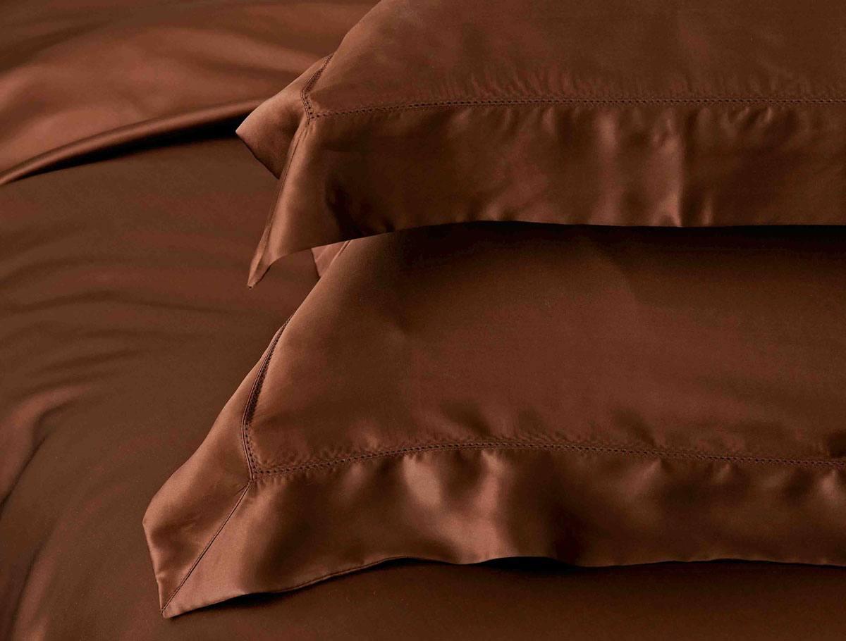 Шелковая наволочка Sharm. Цвет: шоколад.