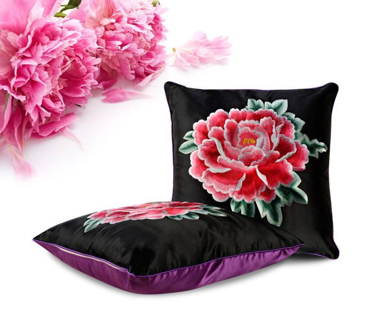 Декоративная подушка «Пион»