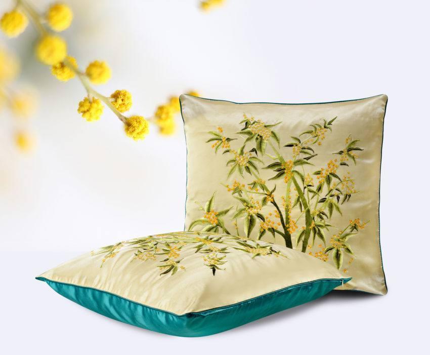 Шелковая декоративная подушка «Ракитник»