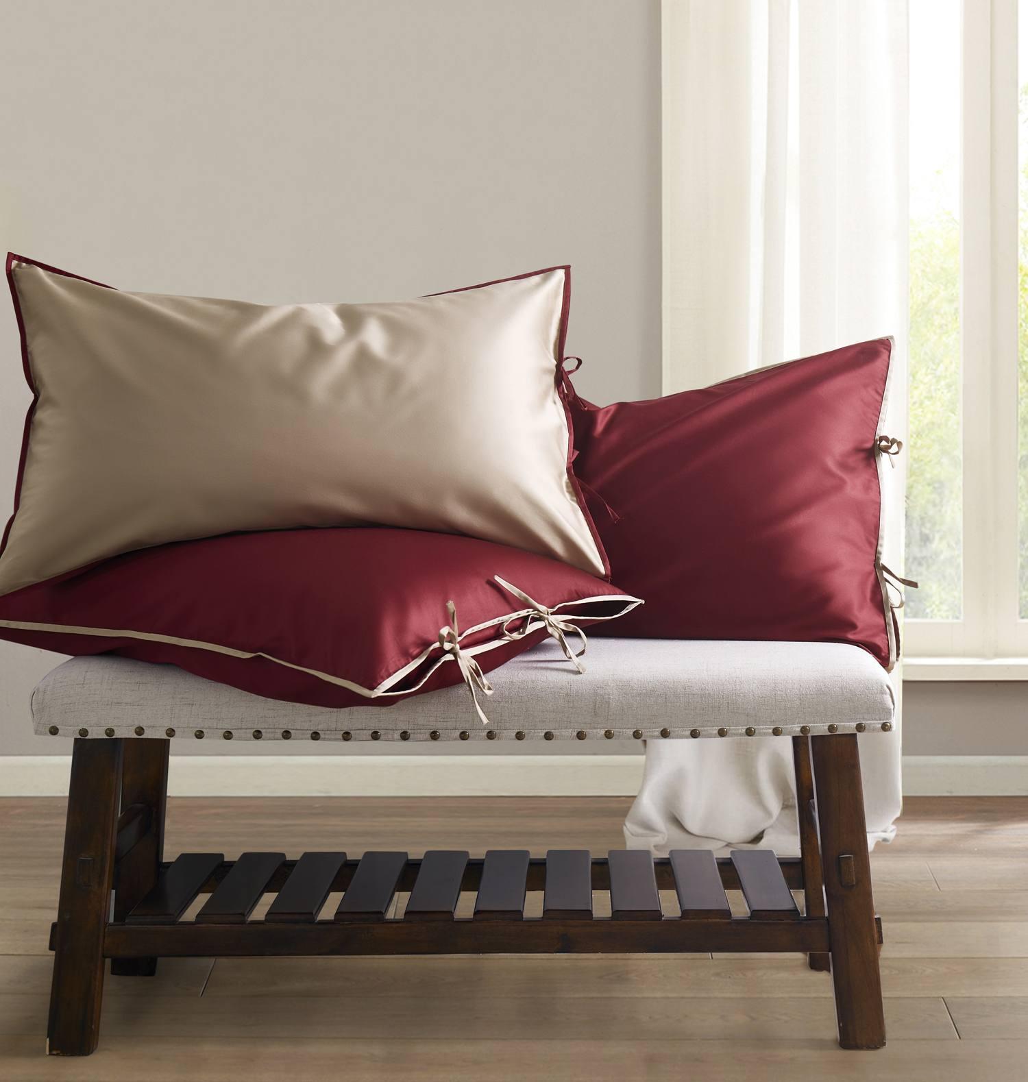 """Постельное белье Sharmes , дизайн """"Luca"""". Цвет: бордовый/серо-бежевый."""